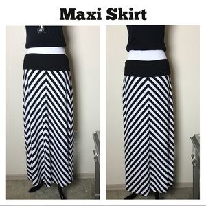 Faded Glory Maxi Skirt Size L
